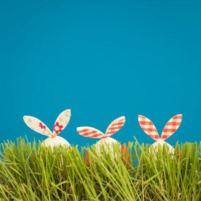 Vinilo Huevos de Pascua en la hierba verde