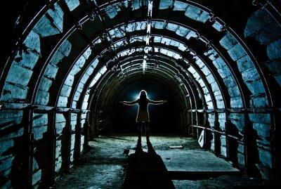Vinilo Interior del túnel en la mina de carbón abandonada