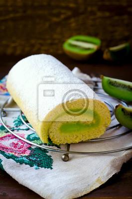 Macarons Torta del rodillo witn crema de kiwi decoradas