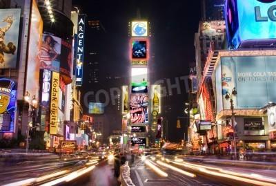 Vinilo Nueva York - 25 de mayo 2007: noche de escena de Times Square en Manhattan (Nueva York) con todos los carteles encendidas y anuncios