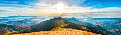Vinilo Paisaje de montaña al atardecer