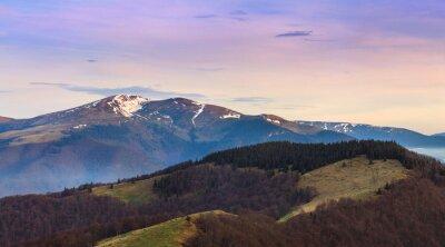 Vinilo Paisaje de montaña panorámica en primavera.