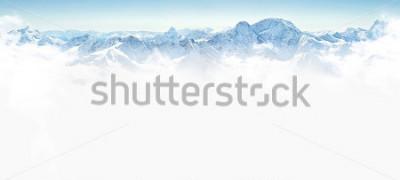 Vinilo Panorama de las montañas de invierno con espacio de copia