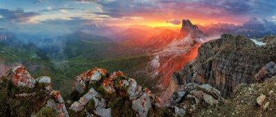 Vinilo Panorama puesta de sol espectacular en Dolomitas Montaña de la montaña de pico Nuv