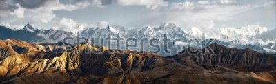 Vinilo Panoramic view of the snowy mountains in Upper Mustang, Annapurna Nature Reserve, trekking route, Nepal