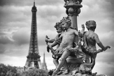 Vinilo París Francia Torre Eiffel con las estatuas de los Querubines