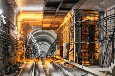 Vinilo Pasando por el túnel subterráneo del metro
