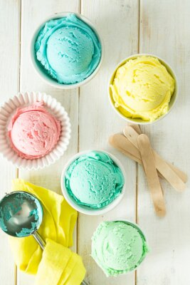 Vinilo Pastel ice cream in white bowls, wood background, copy space