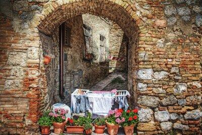 Vinilo Pintoresco rincón en San Gimignano