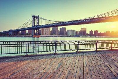 Vinilo Puente de Manhattan sobre el East River al atardecer