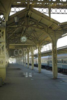 Vinilo Railroad station - 5 - Railroad station platform with a hanging clock,