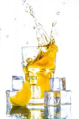 Vinilo Té de hielo con salpicaduras de limón