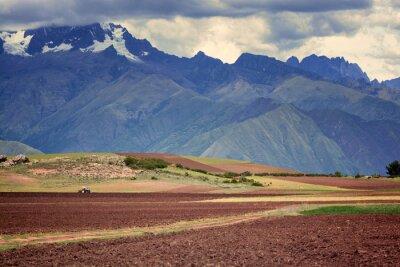 Vinilo Tractor en el campo, Cuzco, Perú