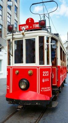 Vinilo Tranvía rojo retro en la calle Taksim Istiklal