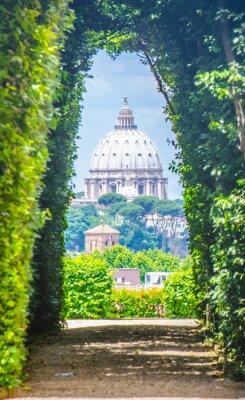 Vinilo Ver a través de ojo de la cerradura de los caballeros de Malta porche con Basílica de San Pedro en el extremo