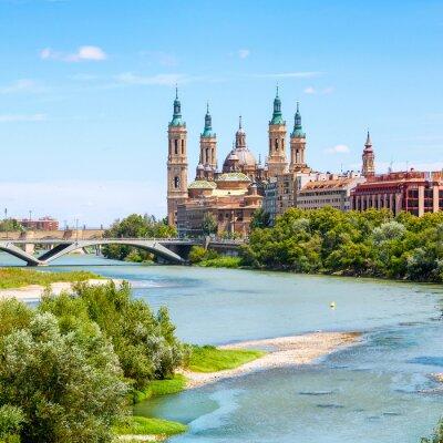 Vinilo Vista aérea de Zaragoza, España con la Basílica