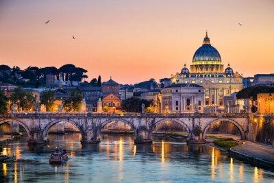Vinilo Vista nocturna de la Basílica de San Pedro en Roma, Italia