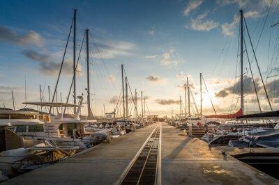 Vinilo Yate puerto deportivo amanecer